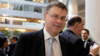 Ντομπρόβσκις: Μέχρι τον Ιούνιο η συμφωνία για το χρέος