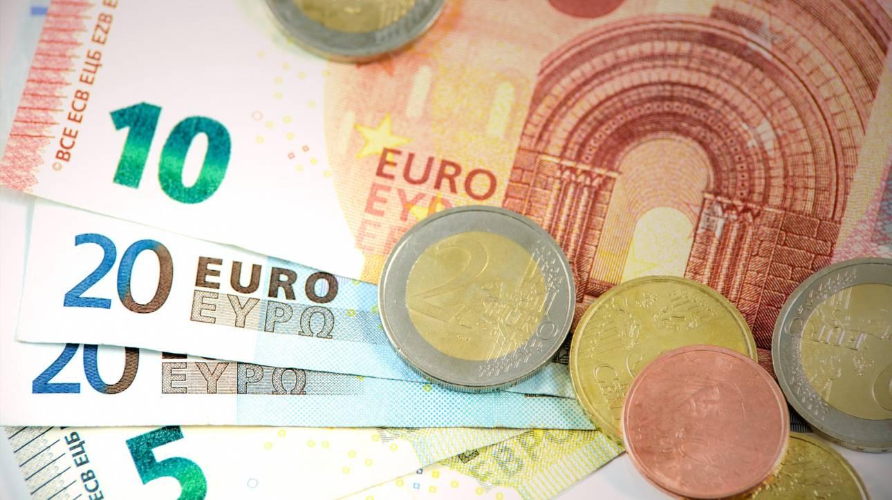 Στα 638 ευρώ ο μέσος φόρος για τις χρεωστικές φορολογικές δηλώσεις