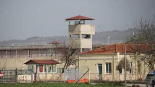 Έλληνες στρατιωτικοί: «Κλειδί» η μετάθεση για την απελευθέρωσή τους
