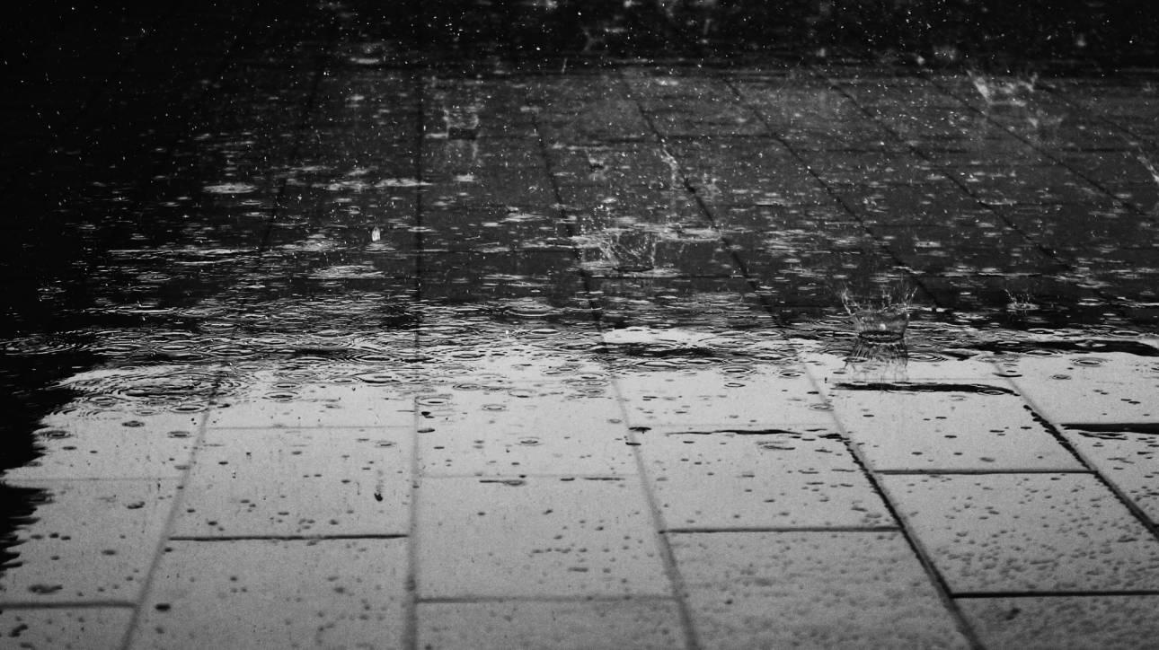 Καιρός: Βροχές και μεταφορά σκόνης αύριο, Σάββατο