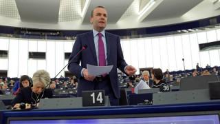 Der Spiegel: Ο Βέμπερ ενδιαφέρεται για τη θέση του προέδρου της Ευρωπαϊκής Επιτροπής