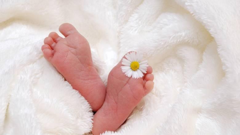 Το μωρό που «έσπασε» την απαγόρευση γεννήσεων σε νησί της Βραζιλίας