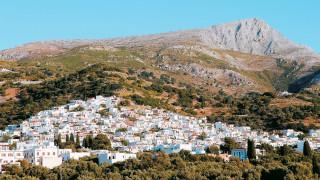 Ένα ταξίδι από τα πανηγύρια της Ικαρίας μέχρι τα παραδοσιακά χωριά της Νάξου