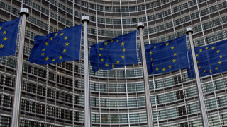 «Τροχιοδεικτικές» δηλώσεις από Βρυξέλλες για την ελάφρυνση του ελληνικού χρέους