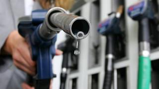 Καίει η τιμή της βενζίνης- Σκαρφάλωσε στο 1,63 ευρώ το λίτρο