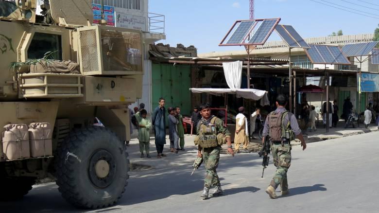 Έκρηξη παγιδευμένου οχήματος στο Αφγανιστάν με πολλά θύματα