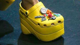 Από έγκλημα μόδας ξανά φετίχ: τα Crocs επιστρέφουν