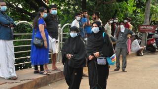 Συναγερμός στην Ινδία για ιό που μεταδίδεται από νυχτερίδες