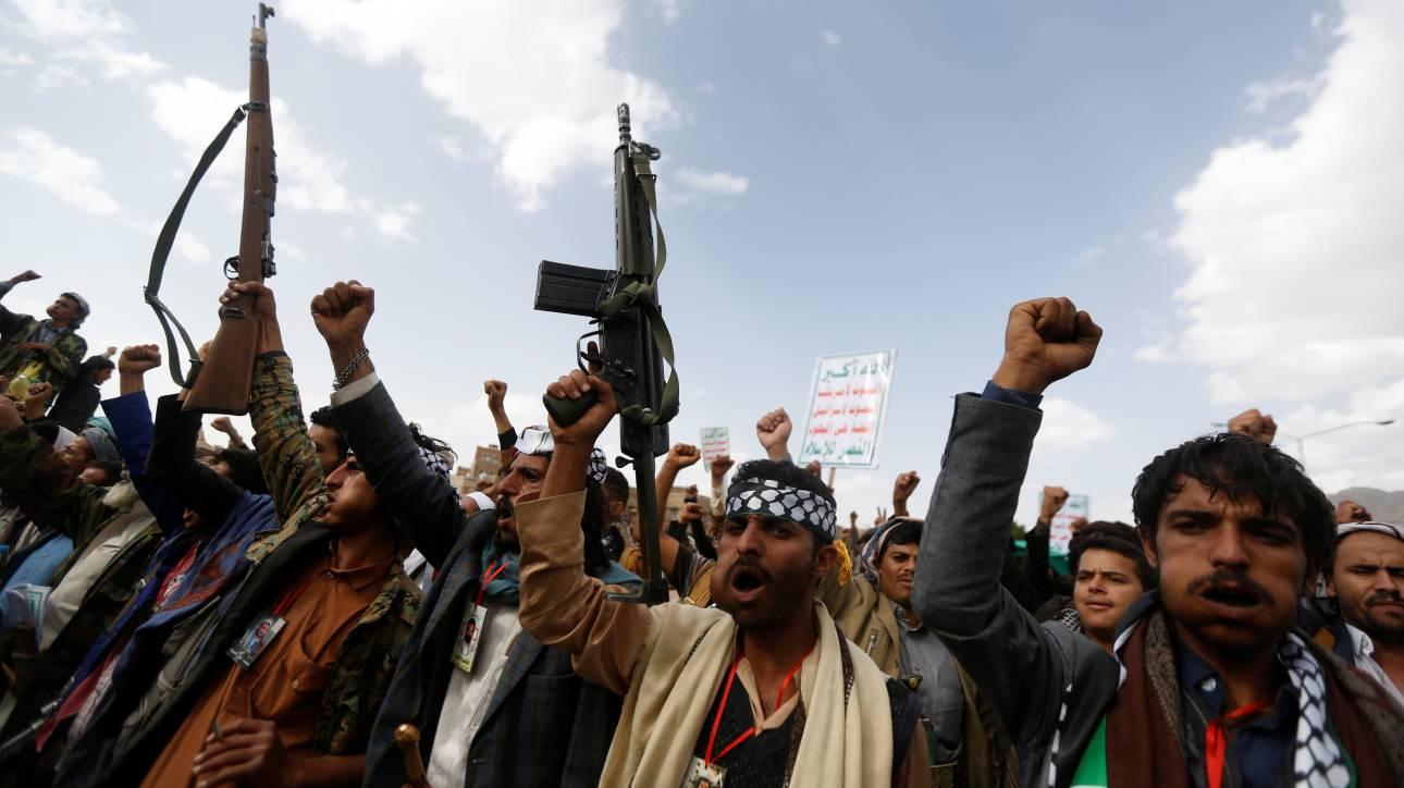 Δύο πλοία των Χούτι κατέστρεψε ο αραβικός συνασπισμός