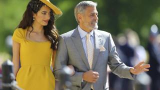 Βασιλικός γάμος: το κίτρινο look της Αμάλ Κλούνεϊ το πλέον δημοφιλές για τις fashionista