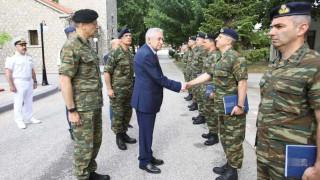 Τρίμηνη στρατιωτική θητεία για γιους και αδελφούς θυμάτων τρομοκρατικής ενέργειας