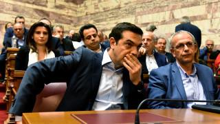 Κινητοποιεί κόμμα και κυβερνητικά στελέχη ο Τσίπρας