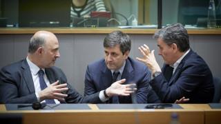 Οι «συμβιβαστικές» λύσεις για το χρέος απομακρύνουν τη συμμετοχή του ΔΝΤ