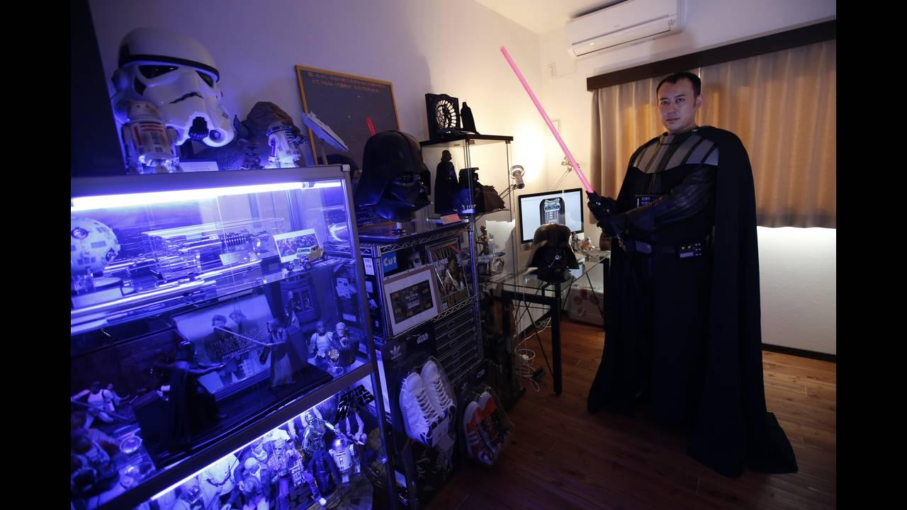 https://cdn.cnngreece.gr/media/news/2018/05/25/131636/photos/snapshot/star-wars-collector-14.JPG