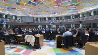 «Στρατηγικές υποχωρήσεις» από την Αθήνα για να πειστεί το Βερολίνο