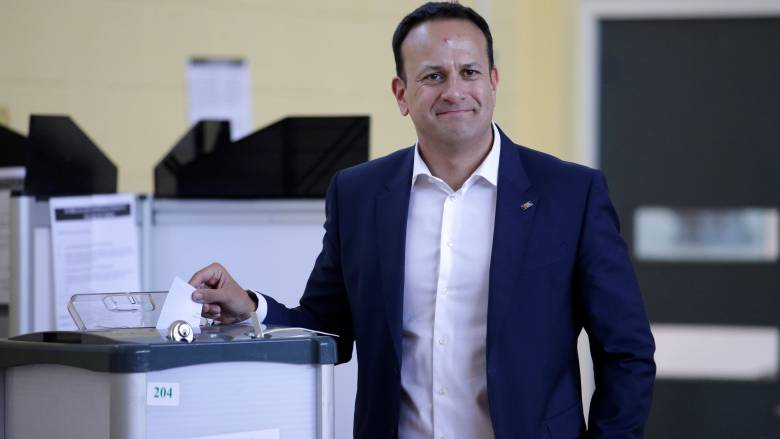 Δημοψήφισμα στην Ιρλανδία: Ο πρωθυπουργός της χώρας χαιρετίζει μια «αθόρυβη επανάσταση»