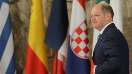 Το δίλημμα του Όλαφ Σολτς για το ελληνικό πρόγραμμα