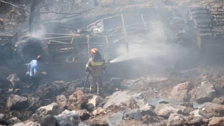 Έβρος: Στις φλόγες τυλίχτηκε λεωφορείο του ΚΤΕΛ που χτυπήθηκε από κεραυνό