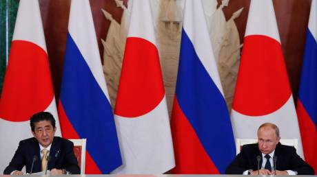 Πούτιν και Άμπε συζήτησαν για τις εξελίξεις με τη Β. Κορέα