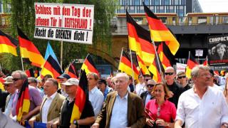 Μεγάλη αντιδιαδήλωση κατά της συγκέντρωσης του AfD στο Βερολίνο