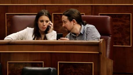 Podemos: Εσωκομματικά αλώβητοι οι Ιγκλέσιας-Μοντέρο μετά το σκάνδαλο αγοράς πολυτελούς σαλέ
