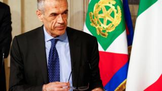 Ραγδαίες εξελίξεις στην Ιταλία: Ο Κοταρέλι θα οδηγήσει τη χώρα σε νέες εκλογές