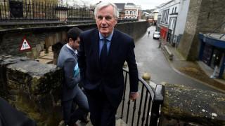 Brexit: «Η Βρετανία να αποδεχθεί τη δικαιοδοσία του Ευρωπαϊκού Δικαστηρίου» λέει ο Μπαρνιέ