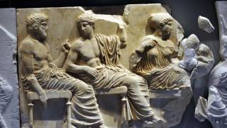 «Επιστρέψτε τα Μάρμαρα στην Ελλάδα» ζητούν παρουσιαστές του BBC
