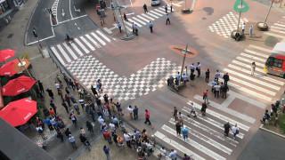 Επίθεση στη Λιέγη: Η στιγμή που ο ένοπλος πέφτει νεκρός από πυρά αστυνομικών