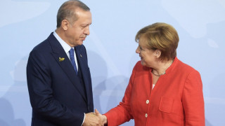 Η Μέρκελ κάλεσε τον Ερντογάν να επισκεφθεί το Βερολίνο
