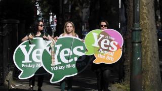 Ιρλανδός πρωθυπουργός: Ανοιχτό το ενδεχόμενο αμβλώσεων και για γυναίκες της Β. Ιρλανδίας