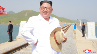 Η CIA εκτιμά ότι ο Κιμ δεν θα εγκαταλείψει το πυρηνικό του πρόγραμμα αλλά θα ανοίξει φαστ φουντ!
