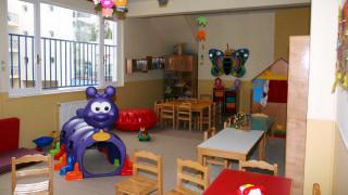 Συνεχίζονται οι εγγραφές των τετράχρονων στους παιδικούς σταθμούς 141 δήμων