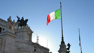 Μαζική επιστροφή επενδυτών στα ιταλικά ομόλογα
