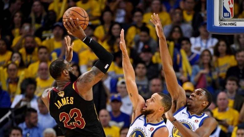 NBA: Επική εμφάνιση ΛεΜπρον, όμως ήττα για τους Καβαλίερς έναντι των Ουόριορς