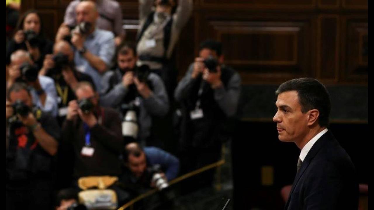 https://cdn.cnngreece.gr/media/news/2018/06/01/132427/photos/snapshot/2018-05-31T085019Z_1793447577_RC1A02CF8B40_RTRMADP_3_SPAIN-POLITICS.jpg