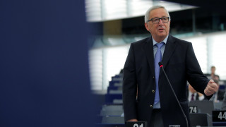 Γιούνκερ: Η αξιοπρέπεια του ελληνικού λαού ποδοπατήθηκε