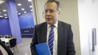 Κουμουτσάκος: Ο Τσίπρας δεν μπορεί να δεσμεύσει τη χώρα στο Σκοπιανό