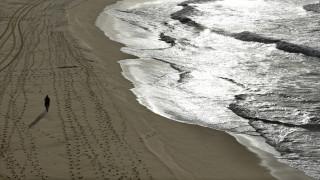 Αυστραλία: Πλοίο έχασε 83 κοντέινερ-Γέμισε η θάλασσα με πάνες και χειρουργικές μάσκες