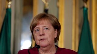 Αρνητική στο ενδεχόμενο ελάφρυνσης του ιταλικού χρέους η Μέρκελ