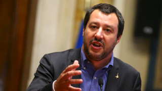 Στη Σικελία με σκληρή ατζέντα για τους μετανάστες ο Σαλβίνι