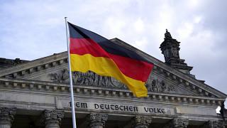 Βερολίνο: Η απόφαση για το ελληνικό χρέος θα ληφθεί πριν την ολοκλήρωση του προγράμματος
