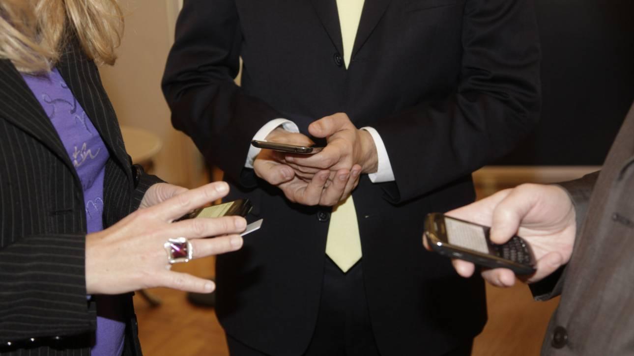 Ενισχύουν τις επενδύσεις τους οι εταιρείες κινητής τηλεφωνίας