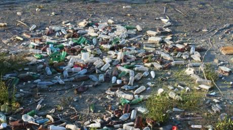 Παγκόσμια Ημέρα Περιβάλλοντος 2018: Η καταστροφική για τη Γη χρήση του πλαστικού (infographic)