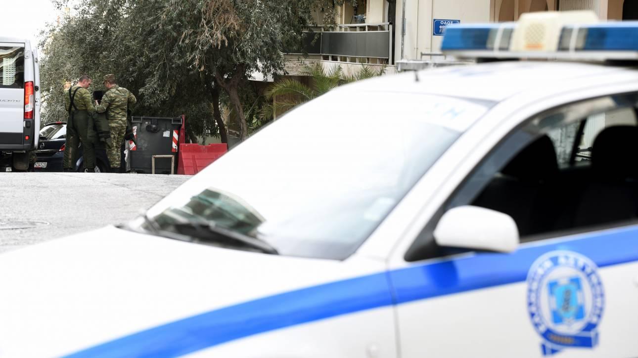 Αποκλειστικό: Σφαίρες, όπλο και χειροβομβίδα εντοπίστηκαν σε διαμέρισμα στην Αθήνα