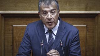 Κατάργηση όλων των πλαστικών ειδών μιας χρήσης από τη Βουλή ζητά ο Σταύρος Θεοδωράκης
