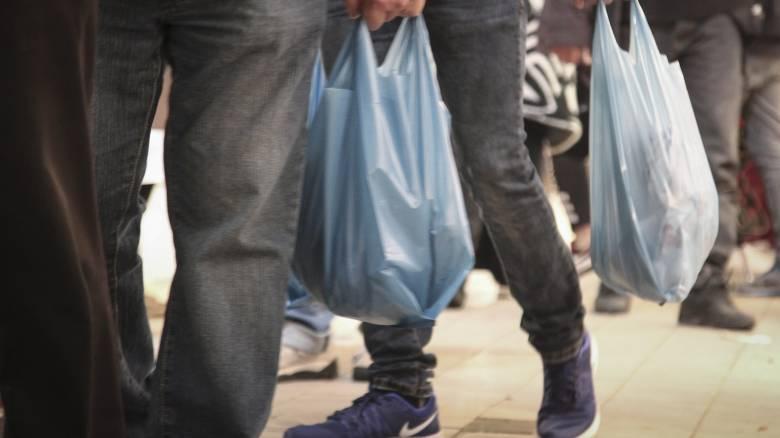 ΙΕΛΚΑ: Σημαντική μείωση της χρήσης της πλαστικής σακούλας