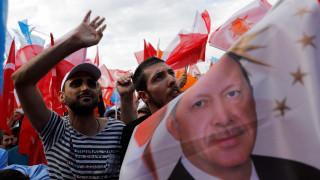 Νίκη Ερντογάν, αλλά στον δεύτερο γύρο: Τι δείχνει νέα δημοσκόπηση