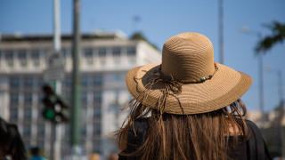 Καύσωνας: Οδηγίες προφύλαξης από τις υψηλές θερμοκρασίες