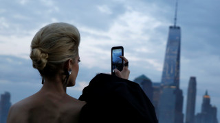 O Yves Saint Laurent κατέκτησε το Μανχάταν με καουμπόηδες και ροκ